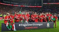 CARDIFF, WALES - Tuesday, October 13, 2015: Wales players celebrate qualifying for the finals after a 2-0 victory over Andorra during the final UEFA Euro 2016 qualifying Group B match at the Cardiff City Stadium. Jonathan Williams, Joe Ledley, Gareth Bale, Aaron Ramsey, Andy King. (Pic by Barry Coombs/Propaganda)