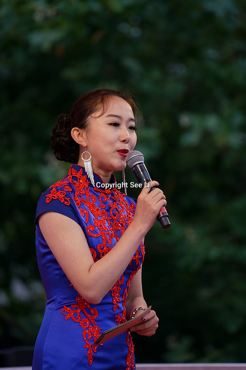 London,England,UK, 19th Aug 2016 : Presenter of the 2016 Chinese Food Festival at Potters Fields Park,London,UK. Photo by See Li