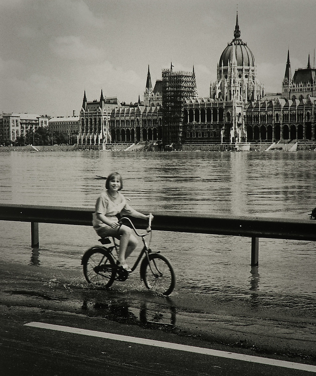 Flood Time, Budapest