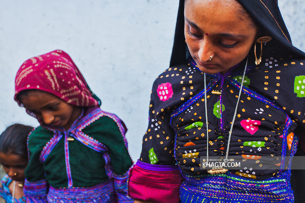Portrait of Gujarati girls in a village in Bhuj