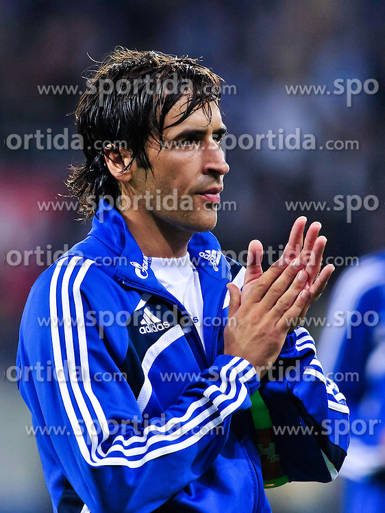 10.09.2010, Rhein-Neckar-Arena, Sinsheim, GER, 1. FBL, TSG Hoffenheim vs Schalke 04, im Bild Raul (Schalke #7), Hochformat / Upright Format, EXPA Pictures © 2010, PhotoCredit: EXPA/ nph/  Roth+++++ ATTENTION - OUT OF GER +++++ / SPORTIDA PHOTO AGENCY