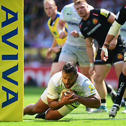 Billy Vunipola of Saracens  scores a try