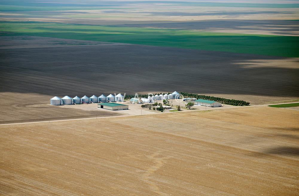 Farm in western Kansas. May 2014. 83919