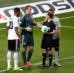 15.10.2013, Friends Arena, Stockholm, SWE, FIFA WM Qualifikation, Schweden vs Deutschland, Gruppe C, im Bild Germany goalkeeper 1 Manuel Neuer in pain<br />  // during the FIFA World Cup Qualifier Group C Match between Sweden and Germany at the Friends Arena, Stockholm, Sweden on 2013/10/15. EXPA Pictures � 2013, PhotoCredit: EXPA/ PicAgency Skycam/ Sami Grahn<br /> <br /> ***** ATTENTION - OUT OF SWE *****