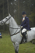 Princess Dora DELLA GHERARDESCA, Beaufort Hunt opening meet. Worcester Lodge. 6 November 2004. SUPPLIED FOR ONE-TIME USE ONLY> DO NOT ARCHIVE. © Copyright Photograph by Dafydd Jones 66 Stockwell Park Rd. London SW9 0DA Tel 020 7733 0108 www.dafjones.com