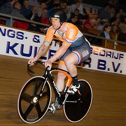 29-12-2015: Wielrennen: NK Baan: Alkmaar       <br />ALKMAAR (NED) baanwielrennen  <br />Op de wielerbaan van Alkmaar streden de wielrenners om de nationale baantitels<br />Roy van den Berg wint de eerste halve finale op het NK sprint