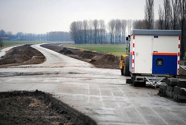 Nederland, Heteren, 21-3-2010De provincie Gelderland legt een nieuwe weg aan tussen Arnhem en Heteren. N837.Foto: Flip Franssen/Hollandse Hoogte