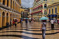 Strolling through Senado Square