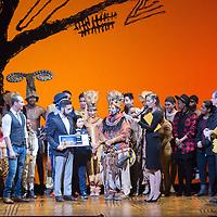 Mexico, D.F. 19/11/2015. Teatro Telcel. Funcion especial del musical El Rey Leon en la cual se develo una placa conmemorativa porque 250 mil espectadores han visto la puesta en escena en Mexico. Benny Ibarra, Sasha Sokol, Erik Rubin.
