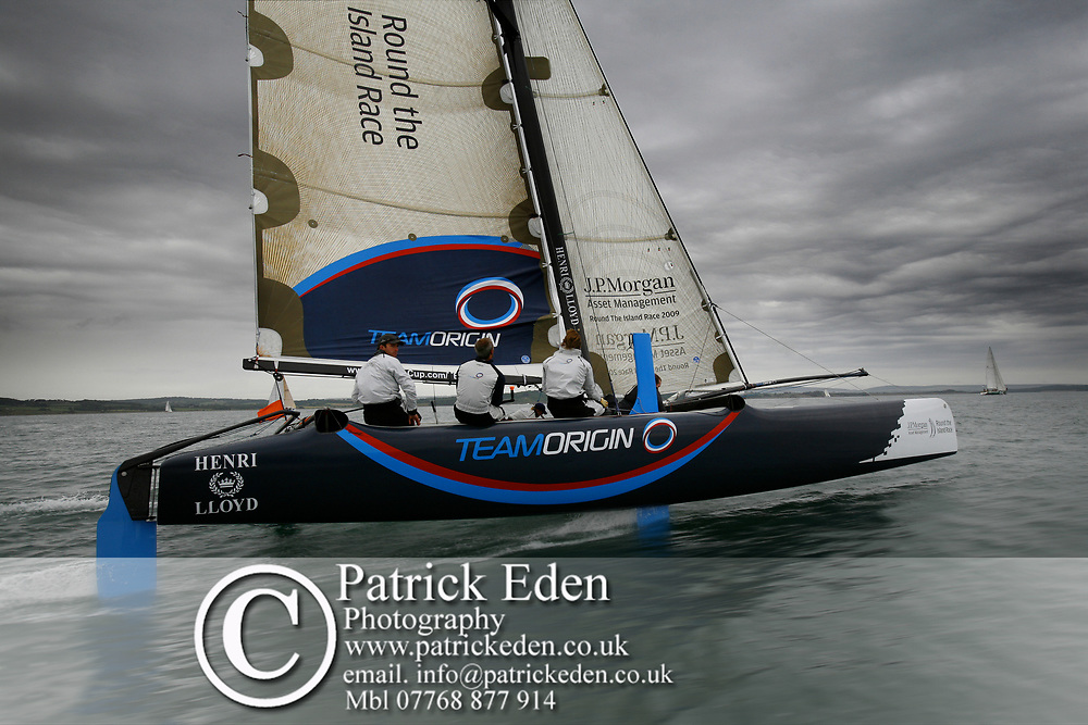 BEN AINSLEY, TEAM ORIGIN, Round the Island Race, Cowes, Isle of Wight. Round the Island Race 2009 Sports Photography