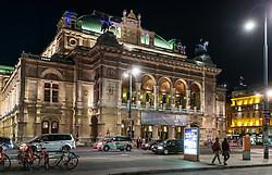 THEMENBILD - Aussenansicht Wiener Staatsoper bei Nacht, aufgenommen am 03. Juli 2017, Wien, Österreich // Exterior View of the Vienna State Opera at night, Vienna, Austria on 2017/07/03. EXPA Pictures © 2017, PhotoCredit: EXPA/ JFK