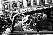 Regina Elisabetta II di Gran Bretagna con il marito il principe Filippo il Duca di Edimburgo nel corso di una visita reale a Roma il 14 ottobre1980, nella seconda visita di Stato  in Italia.<br /> Queen Elizabeth II of Great Britain with her husband Prince Philip the Duke of Edinburgh during a royal visit to Rome on 14 ottobre1980, the second State visit  to Italy. Location: Piazza di Spagna, Rome, Italy