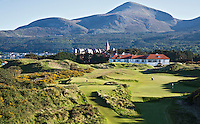 NEWCASTLE NORTHERN IRELAND-  Hole 10 en 11    , ROYAL COUNTY DOWN GC, nr. 3 van de wereldranglijst. .  COPYRIGHT KOEN SUYK