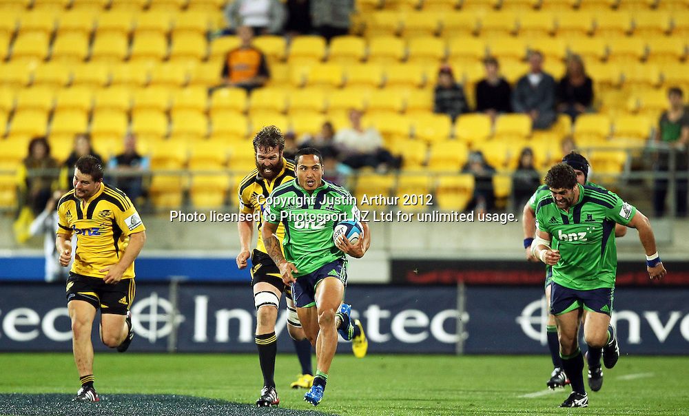 Highlanders' Hosea Gear on the run during the 2012 Super Rugby season, Hurricanes v Highlanders at Westpac Stadium, Wellington, New Zealand on Saturday 17 March 2012. Photo: Justin Arthur / Photosport.co.nz