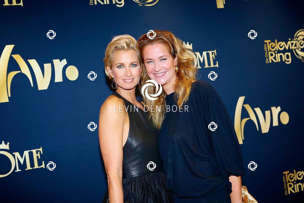 AMSTERDAM - In Carre is de Gouden Televizier-Ring Gala 2013. Met op de foto  Anouk Smulders-Voorveld en Paulien Huizinga. FOTO LEVIN DEN BOER - PERSFOTO.NU