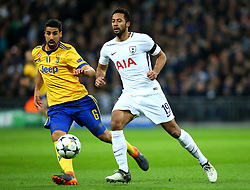Mousa Dembele of Tottenham Hotspur takes on Sami Khedira of Juventus - Mandatory by-line: Robbie Stephenson/JMP - 07/03/2018 - FOOTBALL - Wembley Stadium - London, England - Tottenham Hotspur v Juventus - UEFA Champions League, Round of 16, second leg