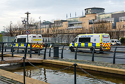 Pictured: Police search. Police  search hedges and buildings around Commercial Quay outside Scottish Government's Victoria Quay building. Two police vans and at least six police officers seen searching. 26 December 2018  <br /> <br /> Sally Anderson   EdinburghElitemedia.co.uk