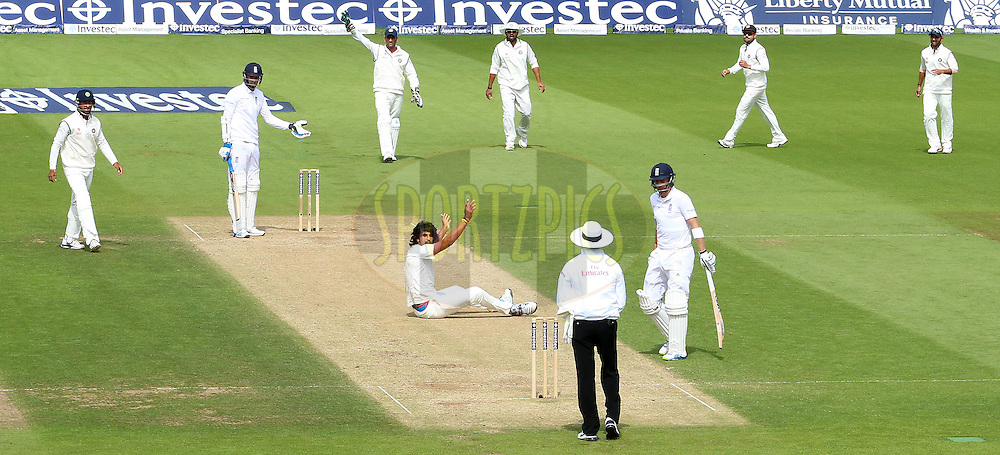 Ishant Sharma of India appeals for the wicket of  Stuart Broad of England during day three of the fifth Investec Test Match between England and India held at The Kia Oval cricket ground in London, England on the 17th August 2014<br /> <br /> Photo by Ron Gaunt / SPORTZPICS/ BCCI