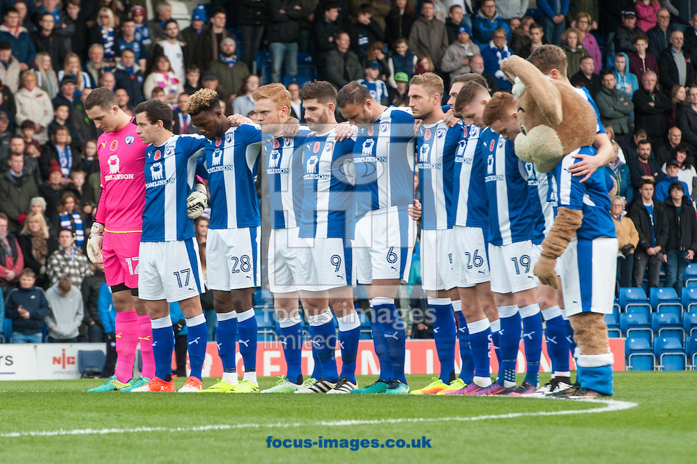 Chesterfield observe a minutes silence as part of Rememberance Sunday prior to the Sky Bet League 1 match at the b2net stadium, Chesterfield<br /> Picture by Matt Wilkinson/Focus Images Ltd 07814 960751<br /> 13/11/2016