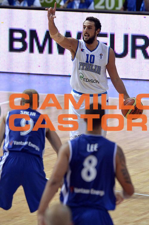 DESCRIZIONE : Capodistria Koper Slovenia Eurobasket Men 2013 Preliminary Round Finlandia Italia Finland Italy<br /> GIOCATORE : Marco Belinelli<br /> CATEGORIA : Palleggio<br /> SQUADRA : Italia <br /> EVENTO : Eurobasket Men 2013<br /> GARA : Finlandia Italia Finland Italy<br /> DATA : 07/09/2013<br /> SPORT : Pallacanestro&nbsp;<br /> AUTORE : Agenzia Ciamillo-Castoria/GiulioCiamillo<br /> Galleria : Eurobasket Men 2013 <br /> Fotonotizia : Capodistria Koper Slovenia Eurobasket Men 2013 Preliminary Round Finlandia Italia Finland Italy<br /> Predefinita :