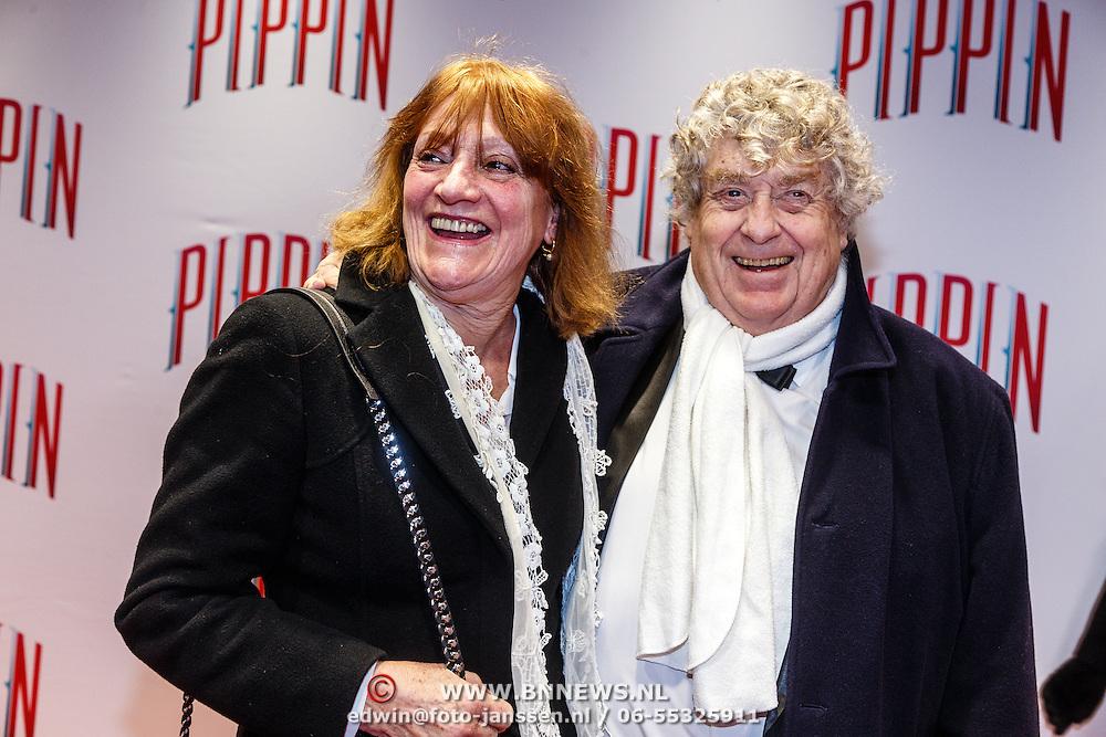 NLD/Amsterdam/20160310 - Premiere Pippin, Tonny Eyk en partner Liesbeth Vasbinder