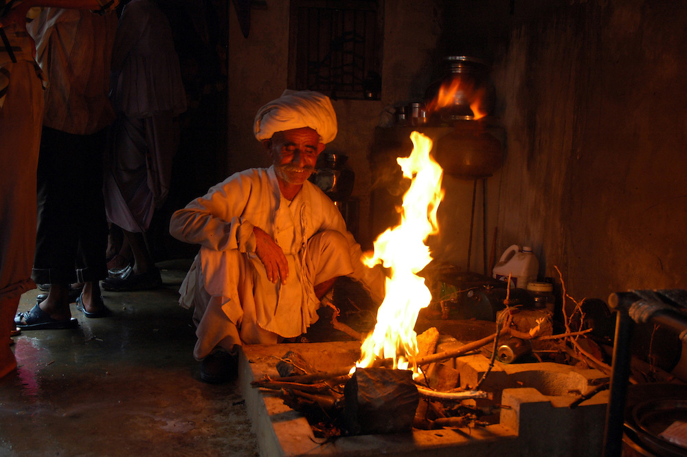 Preparing the incense for a Maldhari wedding..Michael Benanav - mbenanav@gmail.com