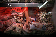 Chicken stand at the Quinta Crespo market in Caracas (Venezuela) Feb. 3, 2009 (Photo/Ivan Gonzalez)
