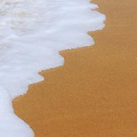 Espuma de una ola en Playa Grande, Choroni, Edo. Aragua, Venezuela