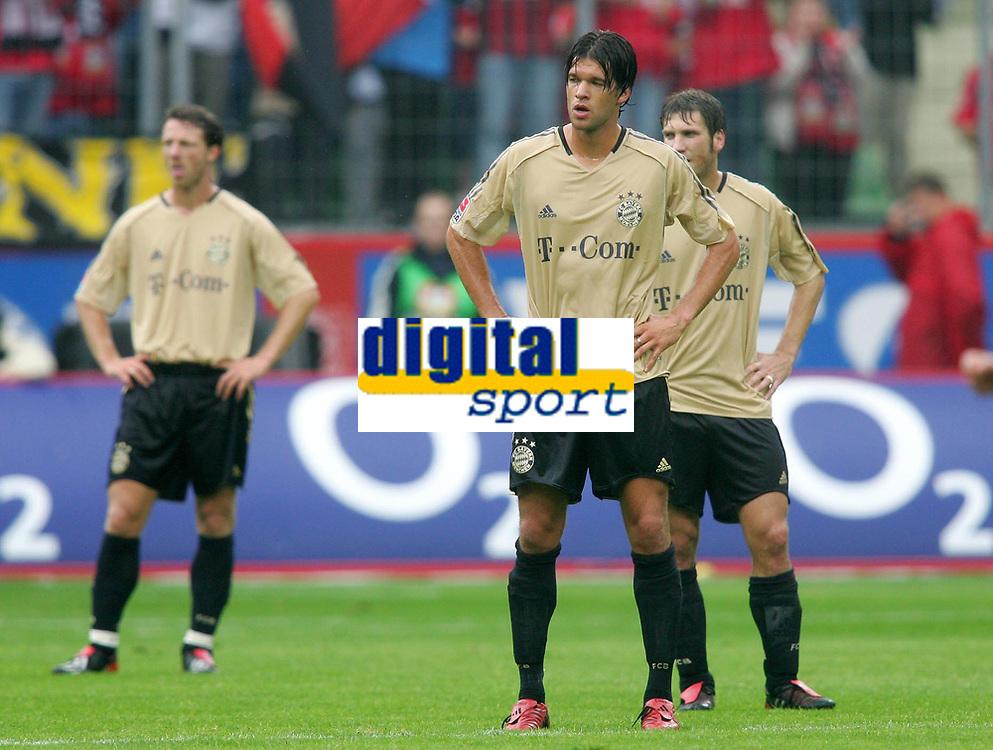 Fotball<br /> Foto: Witters/Digitalsport<br /> NORWAY ONLY<br /> <br /> Bundesliga 2004/2005<br /> v.l. Thomas LINKE - Michael BALLACK - Torsten FRINGS Bayern<br /> Bundesliga Bayer 04 Leverkusen - FC Bayern M&uuml;nchen 4:1