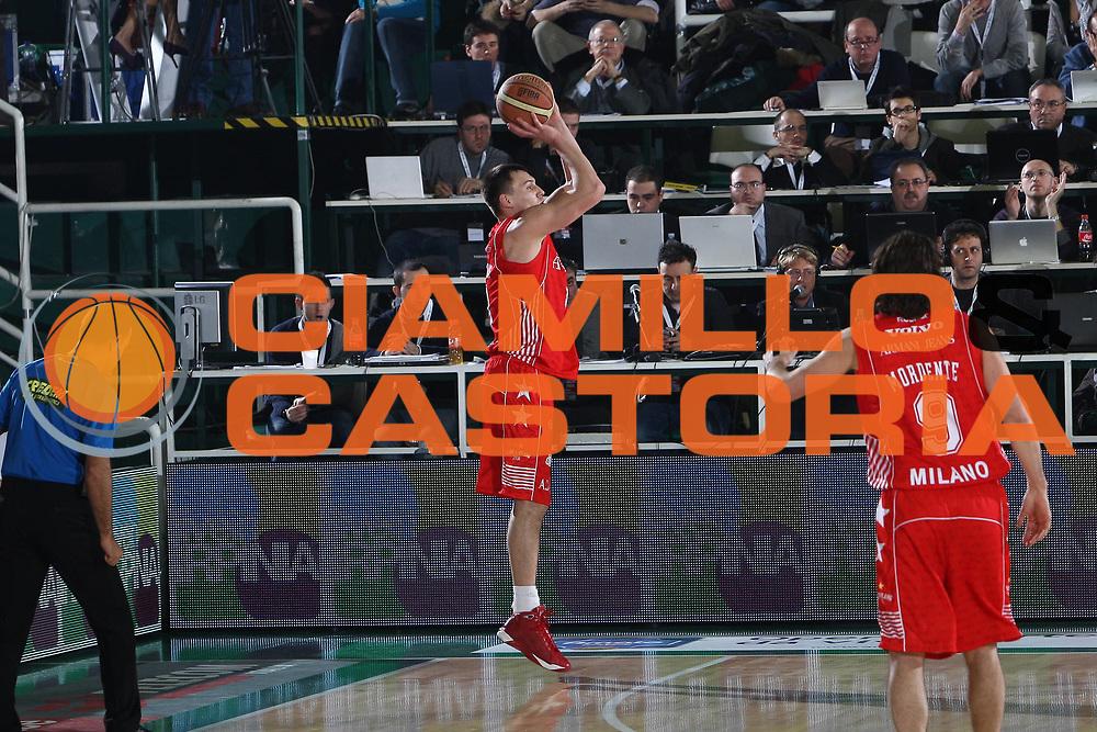 DESCRIZIONE : Avellino Final 8 Coppa Italia 2010 Quarto di Finale Armani Jeans Milano Air Avellino<br /> GIOCATORE : Luca Ianes<br /> SQUADRA : Armani Jeans Milano<br /> EVENTO : Final 8 Coppa Italia 2010 <br /> GARA : Armani Jeans Milano Air Avellino<br /> DATA : 18/02/2010<br /> CATEGORIA : tiro<br /> SPORT : Pallacanestro <br /> AUTORE : Agenzia Ciamillo-Castoria/C.DeMassis<br /> Galleria : Lega Basket A 2009-2010 <br /> Fotonotizia : Avellino Final 8 Coppa Italia 2010 Quarto di Finale Armani Jeans Milano Air Avellino<br /> Predefinita :