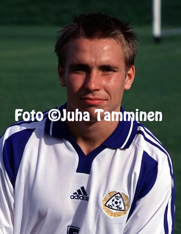 14.08.2001, Vantaa, Finland. Fredrik Nordback (FIN U-21)..©JUHA TAMMINEN