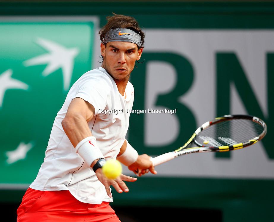 French Open 2013, Roland Garros,Paris,ITF Grand Slam Tennis Tournament, Rafael Nadal (ESP),<br /> Aktion,Einzelbild,Halbkoerper,Querformat,