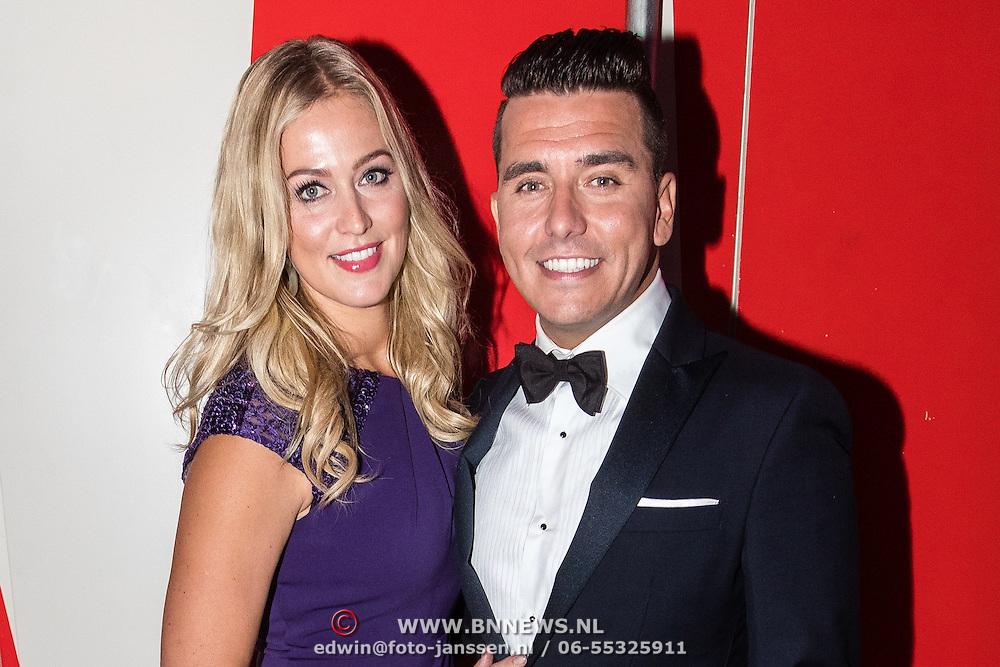 NLD/Amsterdam/20161013 - Televiziergala 2016, Jan Smit en partner Liza Plat