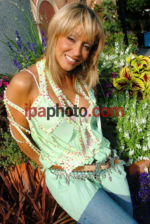 Orlando Florida USA 05/05/06.La cantante puertorriqueña Giselle, durante una entrevista en la ciudad de Orlando en Florida, hoy 05 de mayo de 2006..(Photo by IPAPHOTO.COM)