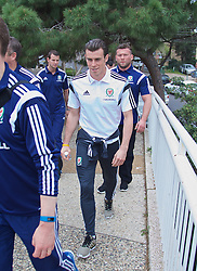 HAIFA, ISRAEL - Saturday, March 28, 2015: Wales' Gareth Bale on a team walk ahead of the UEFA Euro 2016 qualifying Group B match against Israel. (Pic by David Rawcliffe/Propaganda)