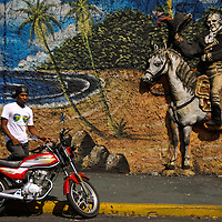 COLOR WHISPERS<br /> Caracas, Venezuela 2010<br /> Photography by Aaron Sosa
