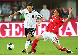 03.06.2011, Ernst Happel Stadion, Wien, AUT, UEFA EURO 2012, Qualifikation, Oesterreich (AUT) vs Deutschland (GER), im Bild Zweikampf zwischen Mesut Oezil, (GER, #8) und Julian Baumgartlinger, (AUT, #14)  // during the UEFA Euro 2012 Qualifier Game, Austria vs Germany, at Ernst Happel Stadium, Vienna, 2010-06-03, EXPA Pictures © 2011, PhotoCredit: EXPA/ T. Haumer