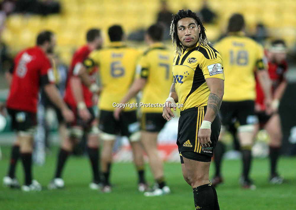 Ma'a Nonu checks the clock with 5 minutes to go. Super Rugby - Crusaders v Hurricanes at Westpac Stadium, Wellington, New Zealand on Saturday 18th June 2011. PHOTO: Grant Down / photosport.co.nz