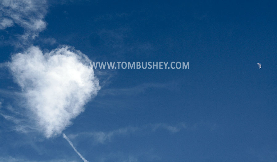 Middletown, NY - A heart-shaped cloud and the moon on June 27, 2009.