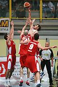 DESCRIZIONE : Busto Arsizio Precampionato Lega A1 2006 2007 Trofeo Dream Team Whirlpool Varese Stella Rossa Belgrado<br />GIOCATORE : Galanda<br />SQUADRA : Whirlpool Varese<br />EVENTO : Precampionato Lega A1 2006 2007 Trofeo Dream Team Whirlpool Varese Stella Rossa Belgrado<br />GARA : Whirlpool Varese Stella Rossa Belgrado<br />DATA : 24/09/2006 <br />CATEGORIA :  Tiro<br />SPORT : Pallacanestro <br />AUTORE : Agenzia Ciamillo-Castoria/S.Ceretti<br />Galleria :  Lega Basket A1 2006-2007<br />Fotonotizia : Busto Arsizio Precampionato Lega A1 2006 2007 Trofeo Dream Team Whirlpool Varese Stella Rossa Belgrado<br />Predefinita :