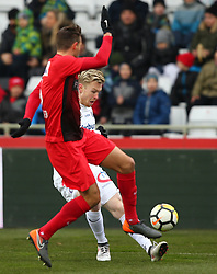 24.02.2018, BSFZ Arena, Maria Enzersdorf, AUT, 1. FBL, FC Flyeralarm Admira vs FK Austria Wien, 24. Runde, im Bild Markus Lackner (FC Flyeralarm Admira) und Kevin Friesenbichler (FK Austria Wien) // during Austrian Bundesliga Football 24nd round match between FC Flyeralarm Admira vs FK Austria Wien at the BSFZ Arena, Maria Enzersdorf, Austria on 2018/02/24. EXPA Pictures © 2018, PhotoCredit: EXPA/ Thomas Haumer