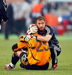 Athens, Greece - Wednesday, May 23, 2007: Liverpool's goalkeeper Jerzy Dudek and goalkeeper Jose Reina look dejected after losing 2-1 to AC Milan during the UEFA Champions League Final at the OACA Spyro Louis Olympic Stadium.  (Pic by David Rawcliffe/Propaganda)