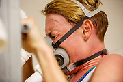 In Amsterdam traint Iris Slappendel op de VU door de wedstrijd te simuleren. In september wil het Human Power Team Delft en Amsterdam, dat bestaat uit studenten van de TU Delft en de VU Amsterdam, tijdens de World Human Powered Speed Challenge in Nevada een poging doen het wereldrecord snelfietsen voor vrouwen te verbreken met de VeloX 7, een gestroomlijnde ligfiets. Het record is met 121,44 km/h sinds 2009 in handen van de Francaise Barbara Buatois. De Canadees Todd Reichert is de snelste man met 144,17 km/h sinds 2016.<br /> <br /> With the VeloX 7, a special recumbent bike, the Human Power Team Delft and Amsterdam, consisting of students of the TU Delft and the VU Amsterdam, also wants to set a new woman's world record cycling in September at the World Human Powered Speed Challenge in Nevada. The current speed record is 121,44 km/h, set in 2009 by Barbara Buatois. The fastest man is Todd Reichert with 144,17 km/h.