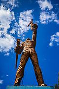 "08 JANUARY 2007 - MANAGUA, NICARAGUA: ""Estatua al Soldado"" a statue of a nameless guerilla soldier in Managua, Nicaragua Photo by Jack Kurtz"
