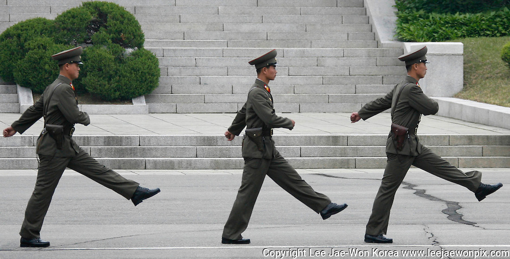 North Korean soldiers patrol in the northern part of the Joint Security Area, at the truce village of Panmunjom in the demilitarized zone separating the two Koreas, north of Seoul April 30, 2008. /Lee Jae-Won