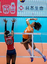 18-05-2016 JAP: OKT Nederland - Dominicaanse Republiek, Tokio<br /> Nederland is weer een stap dichterbij kwalificatie voor de Olympische Spelen. Dit dankzij een 3-0 overwinning op de Dominicaanse Republiek / Brayelin Elizabeth Martinez #20, Celeste Plak #4