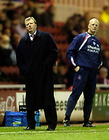 Photo: Jed Wee.<br /> Middlesbrough v Crystal Palace. Carling Cup. 30/11/2005.<br /> <br /> Middlesbrough manager Steve McClaren (L) and Crystal Palace counterpart Iain Dowie face anxious moments during the game.