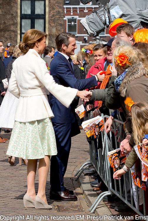De koninklijke familie is in Zwolle voor de viering van Koningsdag. /// The royal family is in Zwolle for the celebration of King's Day.<br /> <br /> Op de foto / On the photo:   Prinses Marilene en Prins Maurits