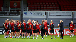 NEWPORT, WALES - Thursday, August 30, 2018: Wales manager Jayne Ludlow gives a team talk a training session at Rodney Parade ahead of the final FIFA Women's World Cup 2019 Qualifying Round Group 1 match against England. (Pic by David Rawcliffe/Propaganda)