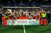 AMSTELVEEN - teamfoto Nederlands team    na de tweede  Olympische kwalificatiewedstrijd hockey mannen ,  Nederland-Pakistan (6-1). Oranje plaatst zich voor de Olympische Spelen 2020. COPYRIGHT  KOEN SUYK